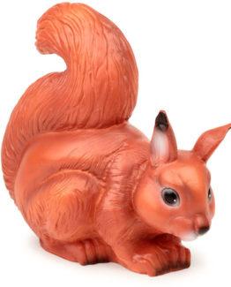 W dzień ozdabia, w nocy świeci. Czegóż więcej można wymagać od wiewiórki? Wielkość: 26 cm x 27 cmMateriał: plastik odporny na wysoką temperaturę. Uwagi: Lampa z żarówką 15 W Lampy są produkowane  i  wykańczane ręcznie z największą starannością w Niemczec